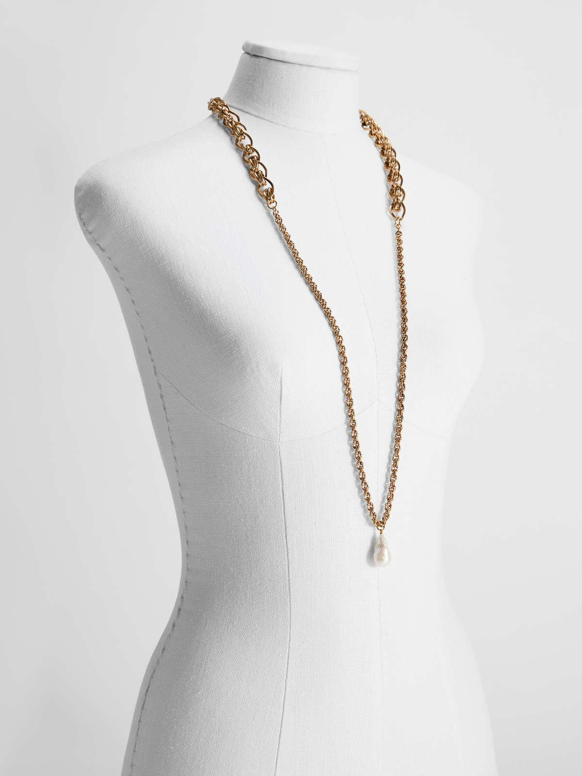 Womens Max Mara Jewelry   Vintage Chain Necklace Gold